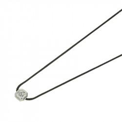 Collier Elsa Lee Paris en argent 925, un oxyde de Zirconium taille carré serti clos, sur cordon ciré noir.