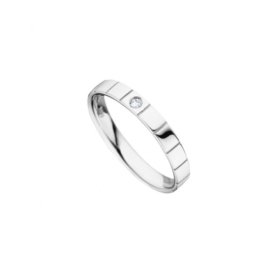 Simply designed wedding ring for women from Elsa Lee Paris, crafted in silver with a single Cubic Zirconia centerpiece