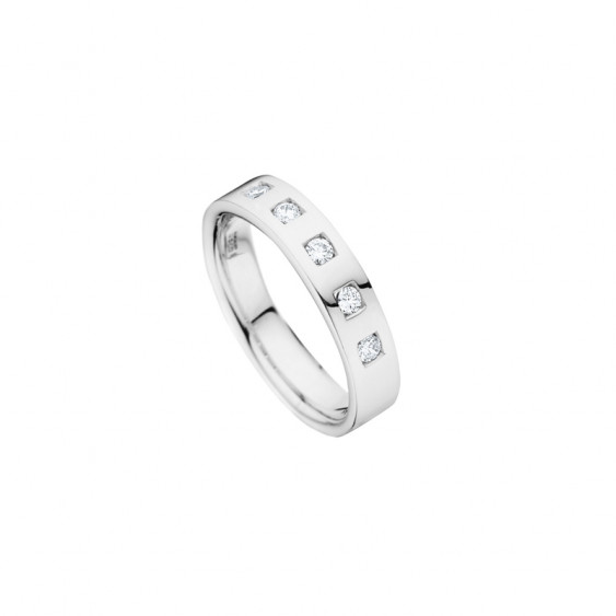 Elsa Lee Paris wedding ring created for women with a geometric design, crafted in silver with Cubic Zirconia