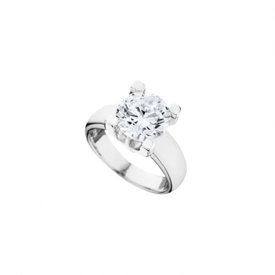 Elsa Lee Paris sterling silver ring, with impressive diamond cut Cubic Zirconia