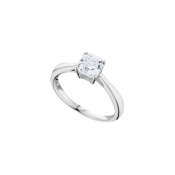 Elsa Lee Paris sterling silver ring, claws set princess-shaped Cubic Zirconia