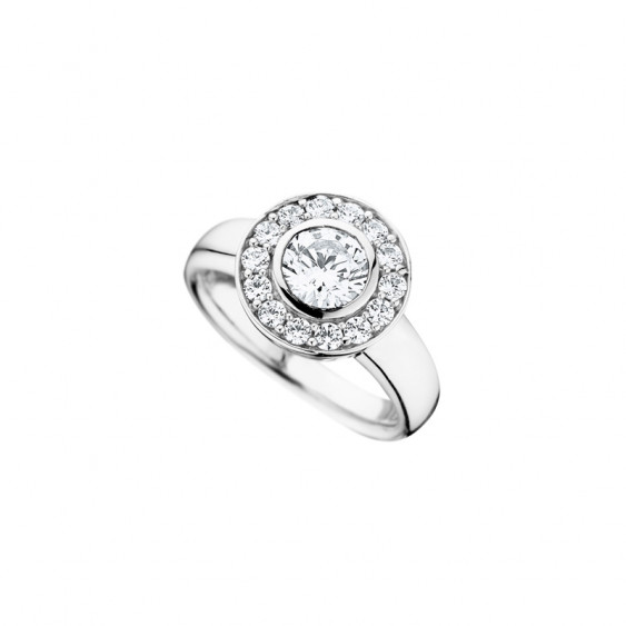 Elsa Lee Paris sterling silver ring, with one clear Cubic Zirconia centerpiece surrounded by smaller Cubic Zirconia