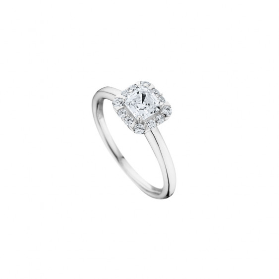 Elsa Lee Paris sterling silver ring, princess-shaped Cubic Zirconia centerpiece with its crown of Cubic Zirconia