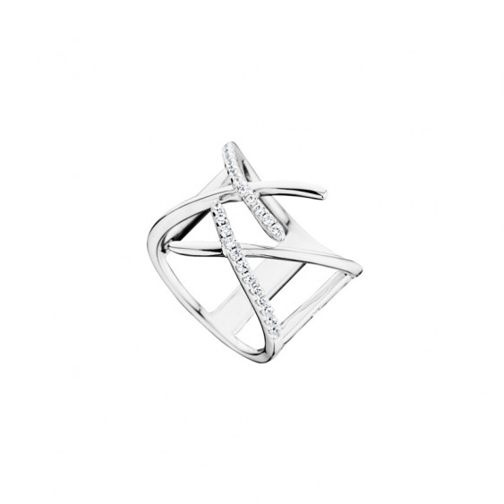 Silver Cross open Ring by Elsa Lee PARIS with its graphic and delicate cross design