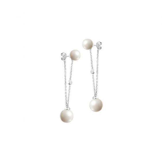Look sophistiqué pour ces boucles d'oreilles Elsa Lee Paris avec chaines en argent 925, perles blanches 8 et 10mm et Zirconia