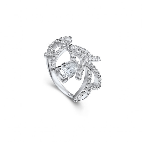 Elsa Lee Paris Sterling Silver with rhodium coated, total of 65 cubics Zirconia set size 1,30 ct and 1 cubic zirconia 5X7 1,31Ct