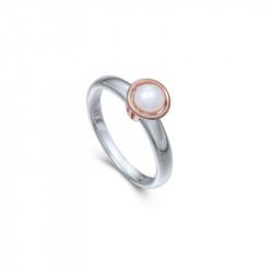 Bague Elsa Lee Paris, collection Memory, en argent 925, une perle blanche 5mm entourée de son socle rhodié rose