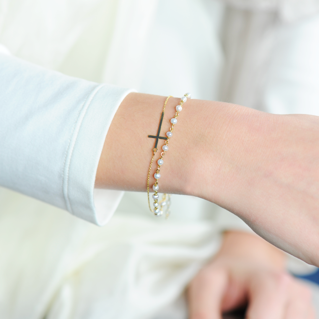 bracelet boheme croix et chapelet doré blanc